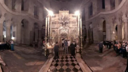 The Aedicule over the tomb at Church of the Holy Sepulchre 360VR Israel